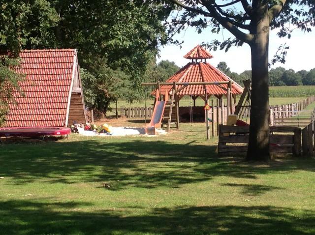 Ferienhof Kleefeld Friesoythe: Spielplatz